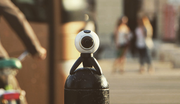 Een Samsung Gear 360 camera mee om de week vast te leggen